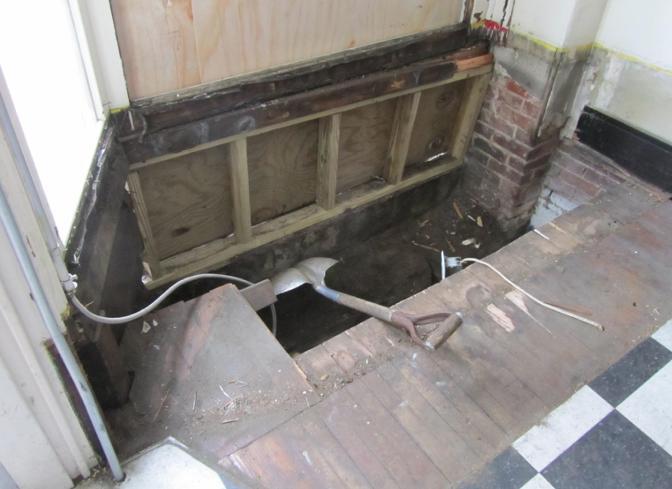 Repairs Continue At Farro Deli